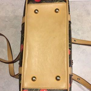 Bags - FINAL PRICE! Cute lil' purse 🍒